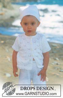 DROPS Baby 10-6 - Комплект из ажурной кофточки, косынки и шортиков