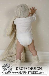 DROPS Baby 13-18 - Жакет, штаны, чепчик и пинетки для малыша